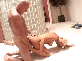 Teenager lets grandpa fuck her pussy in decamp a return to